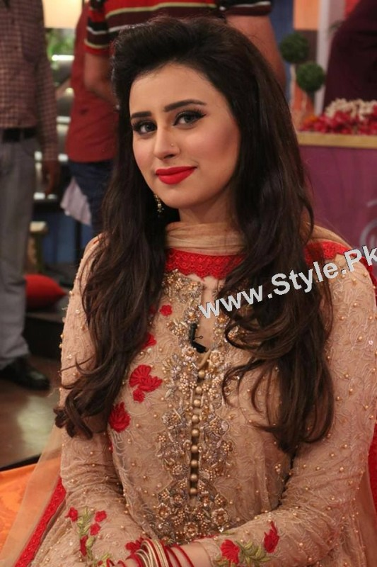 Best dressed Morning show hosts on Eid ul Adha 2015 (3)