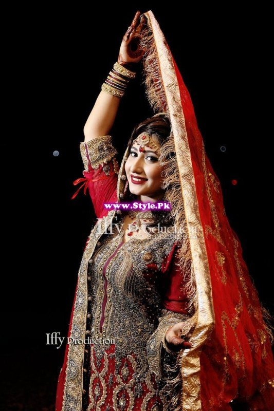 Complete Wedding Photo shoot of Actress Pari Hashmi (2)
