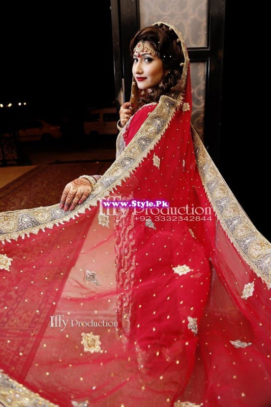 Complete Wedding Photo shoot of Actress Pari Hashmi (3)