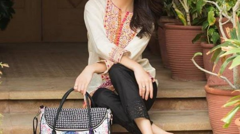 c88ac70fd1f0 Gul Ahmed Handbags And Shoes Collection 2015 For Women