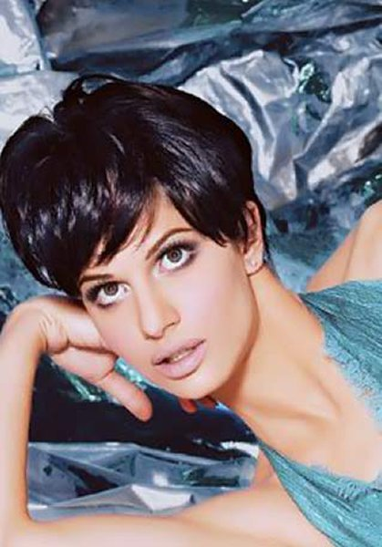 Which Pakistani Actresses Looks Beautiful In Short Hair003