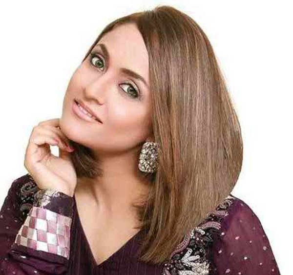 Which Pakistani Actresses Looks Beautiful In Short Hair008