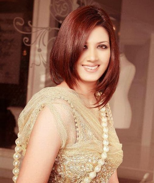 Which Pakistani Actresses Looks Beautiful In Short Hair009