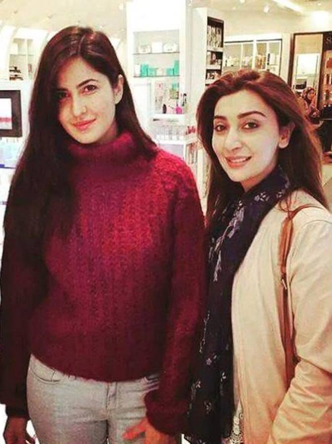 Ayesha Khan Met Ranbir Kappor And Katrina Kaif