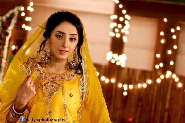Latest Photoshoot Of Beautiful Sanam Chaudhry003