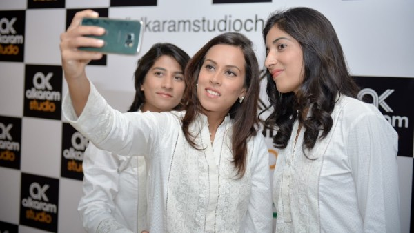 See Pakistan Women's Cricket team gets stylish with Designer Kurtas