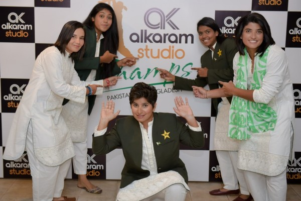 Pakistan Women's Cricket team gets stylish with Designer Kurtas (4)