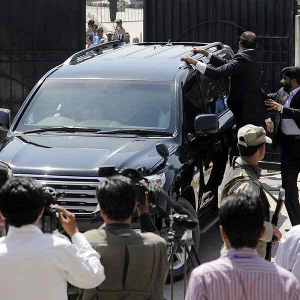 Pakistani Politicians And Their Expensive Cars0011