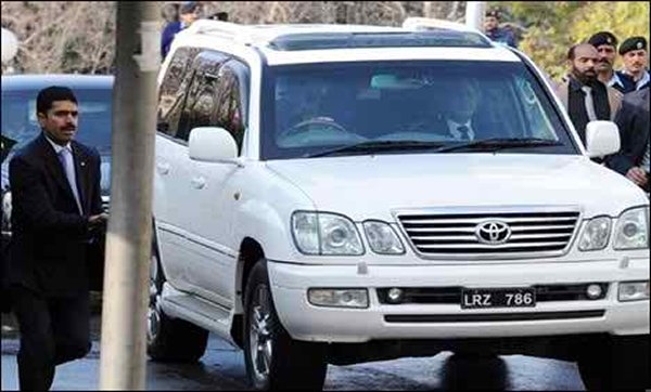 Pakistani Politicians And Their Expensive Cars007