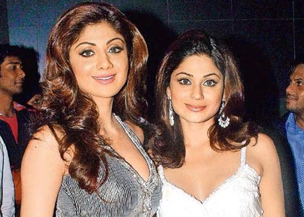 Top 5 Hottest Real Life Bollywood Sisters001