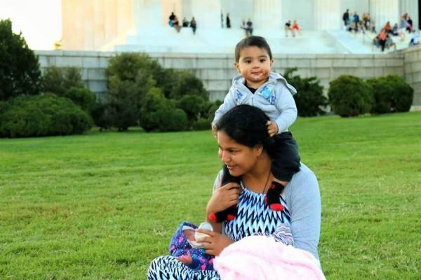 Veena Malik Enjoying with her Family in USA (2)
