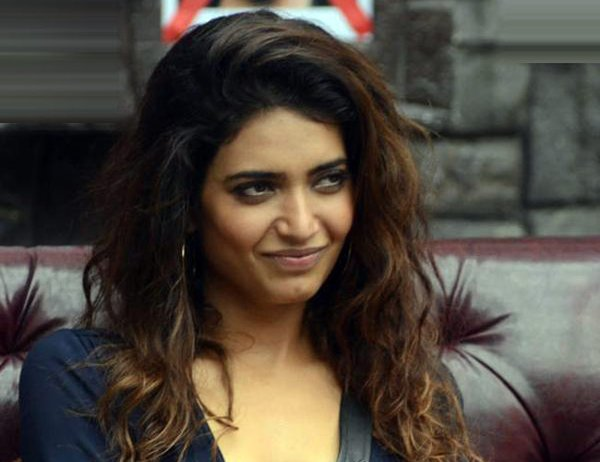 Which Indian Actresses Smoke In Real Life006