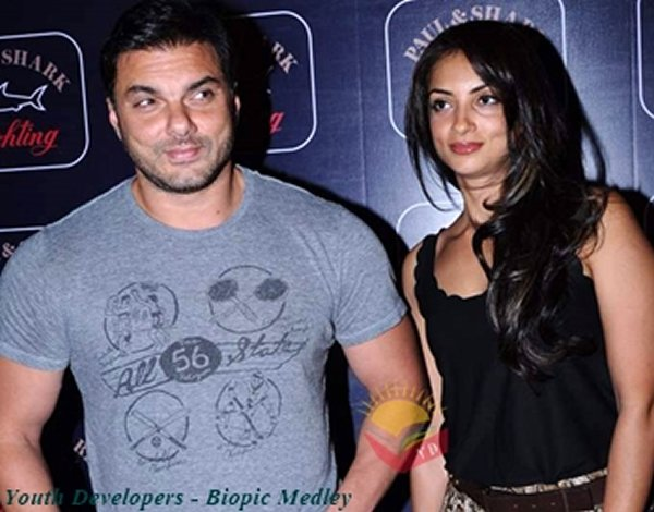 Which Muslim Bollywood Actors Married Hindu Women004
