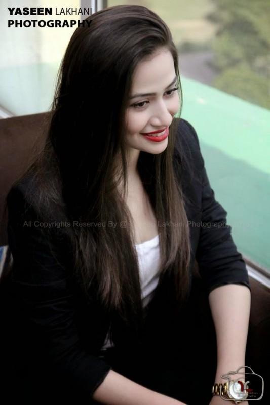 pakistani actress sana javed is a bold actress