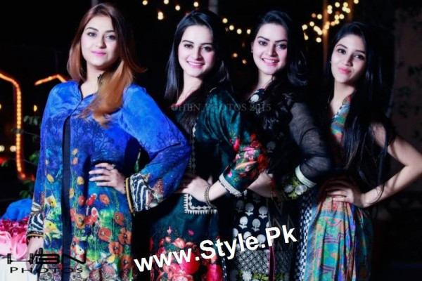 Birthday Celebrations of twins celebrities Aiman Khan and Minal Khan (17)