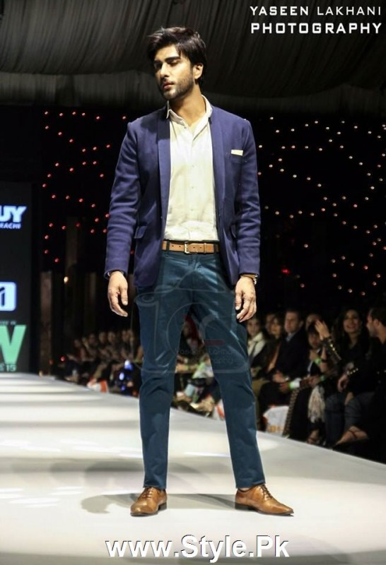 Classy Looks of Pakistani Models on FPW15 Day 1 (12)
