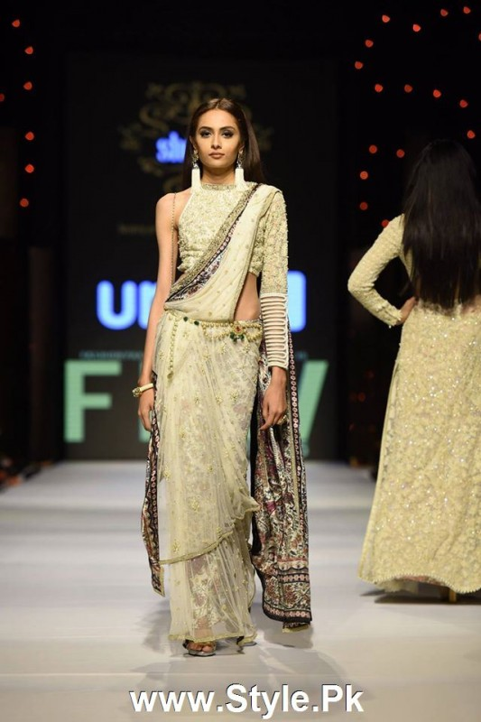Classy Looks of Pakistani Models on FPW15 Day 1 (16)