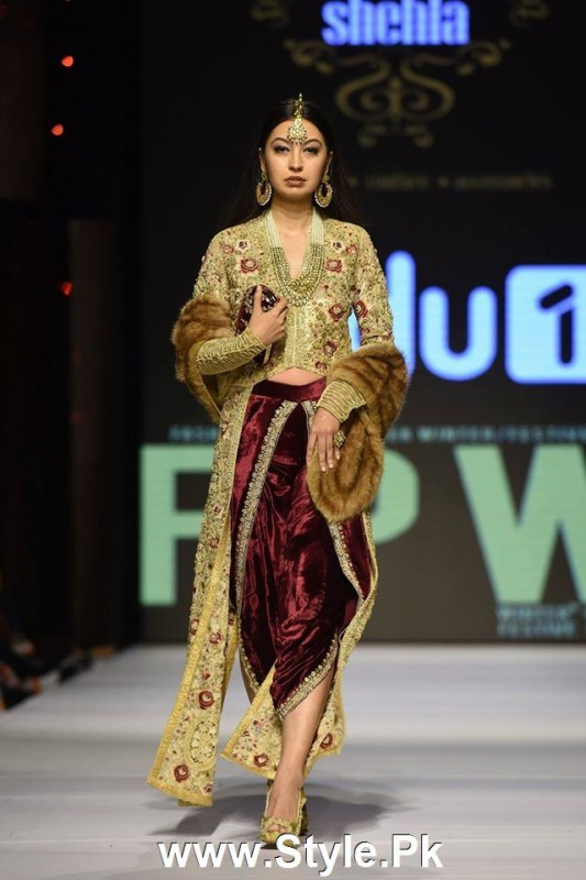 Classy Looks of Pakistani Models on FPW15 Day 1 (4)
