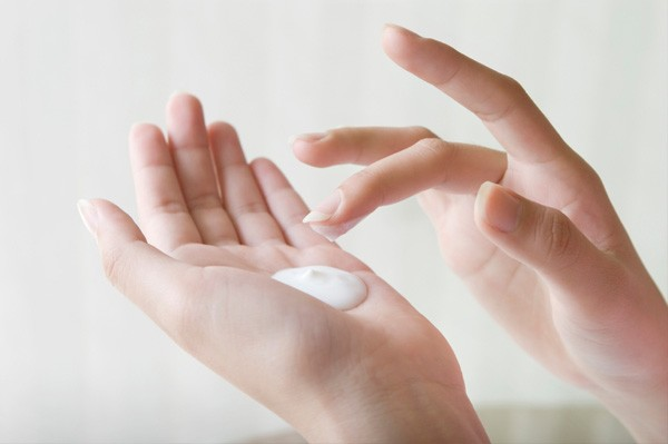 See How to avoid dry skin in winters