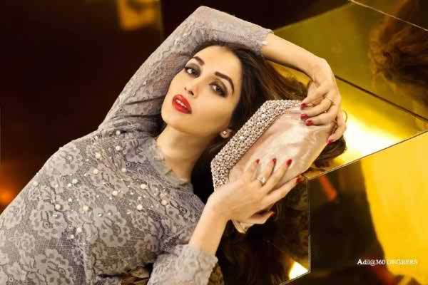 Iman Ali Latest photoshoot for Metro Shoes001