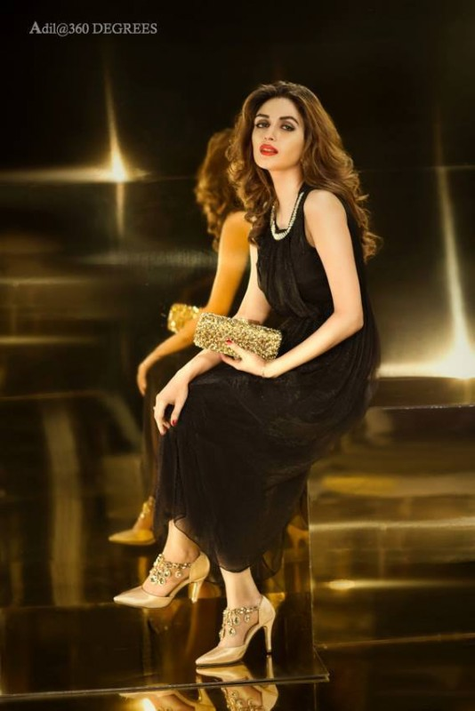 Iman Ali's Photoshoot for Metro Shoes (7)