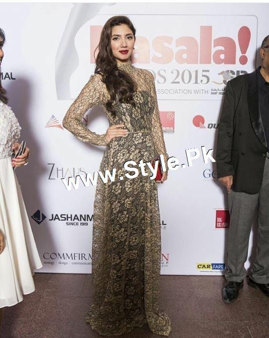 Mahira Khan and Varun Dhawan are winners of Masala Awards 2015 (3)