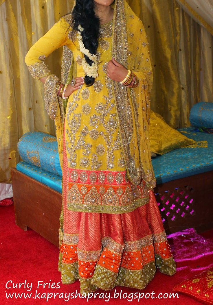 Latest Mehndi Party Dresses : Pakistani mehndi dresses heavy style pk