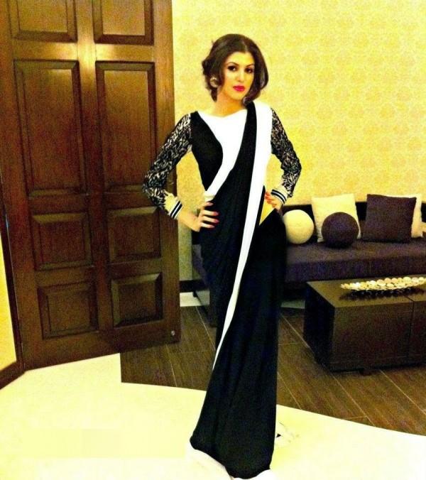 anam ahmed in black saree
