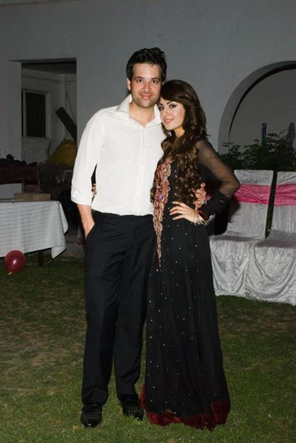 mikaal zulfiqar with wife sara