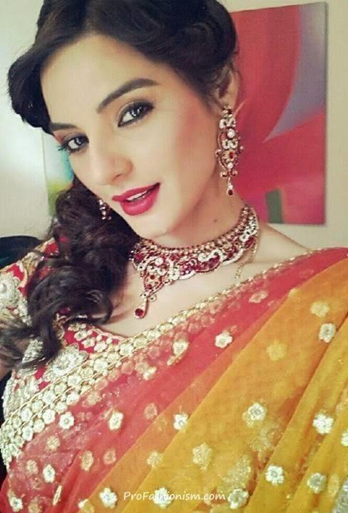 model sadia khan
