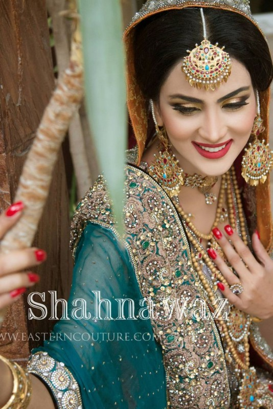 Gold and Stone pakistani bridal jewelry sets
