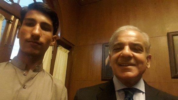 shahbaz sharif selfie
