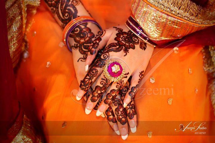 Mehndi Ceremony Sms : Bridal mehndi designs
