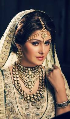Ayeza Khan's photoshoot for Afzal Jewellers (2)