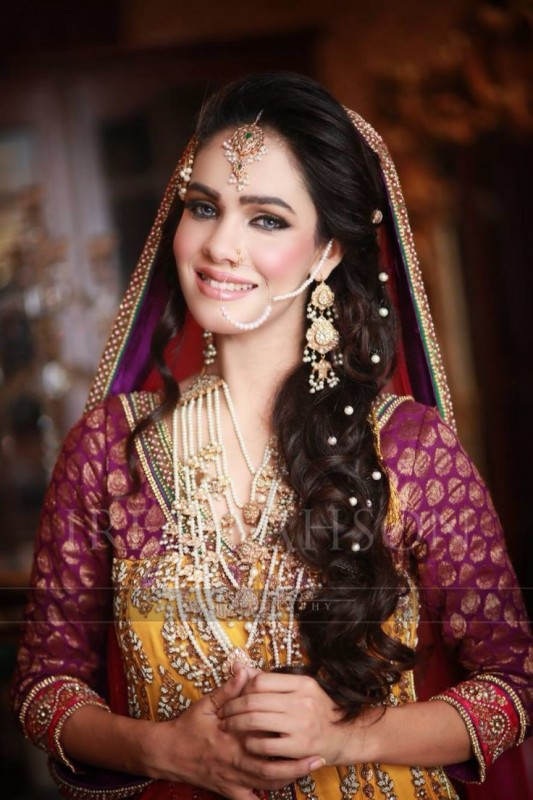 Mehndi Party Hairstyles : Best bridal wedding hairstyles