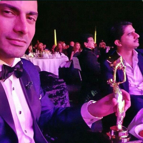 Fawad Khan awards show selfie