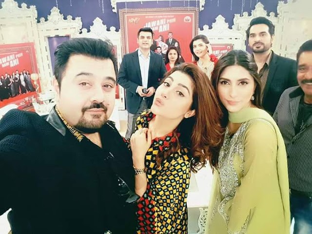 Funny Selfies By Celebritiesjpg Soha - 12 hilarious photos of people who thought they were taking a selfie with a celebrity