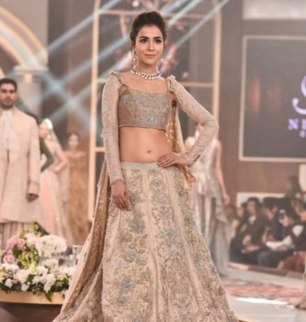 Humaima Malick in short dress