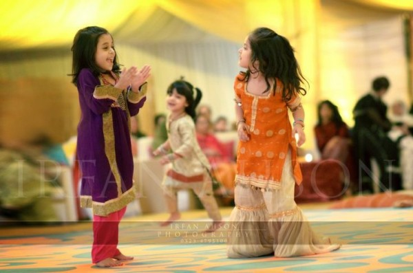 Kids Fancy dresses 2016 in Pakistan-2