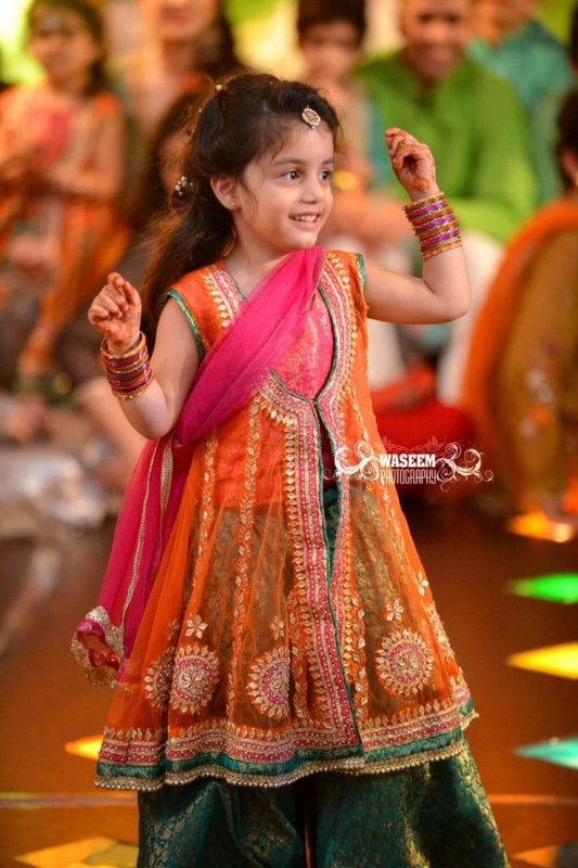 Kids Fancy dresses 2016 in Pakistan-gotta