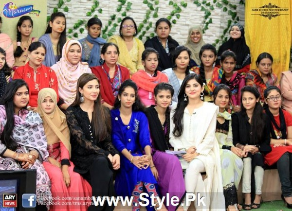 See Mahira Khan celebrated her advance birthday in The morning Show