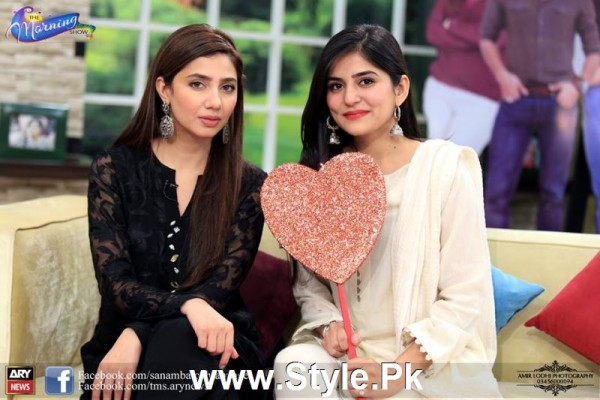 Mahira Khan celebrated her advance birthday in The morning Show (9)