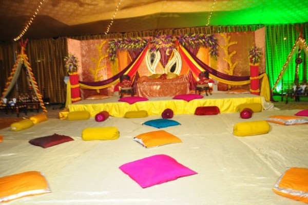 Mehendi Ceremony Decoration Ideas At Home : Mehndi Decoration Ideas 2016- top