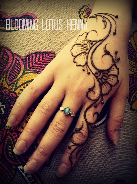 Mehndi Tattoo 2016 for girls-traditional touch