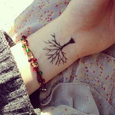 Mehndi Tattoo 2016 for girls-tree