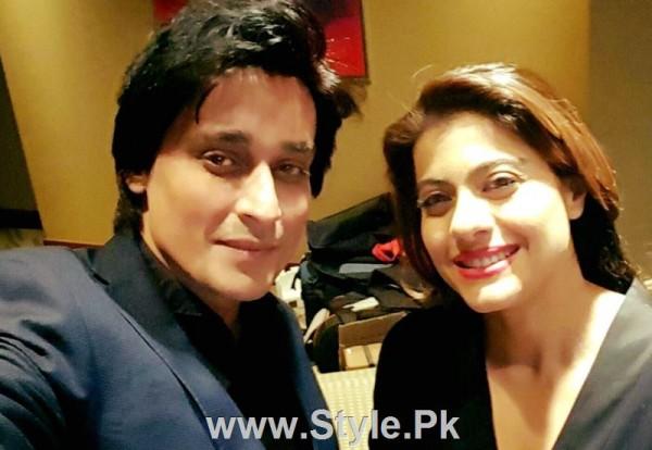 SRK and Kajol in Subah Saveray Samaa K sath (2)