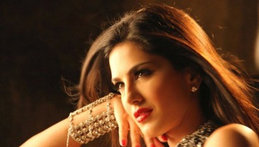 Sunny Leone beats all Bollywood celebrities