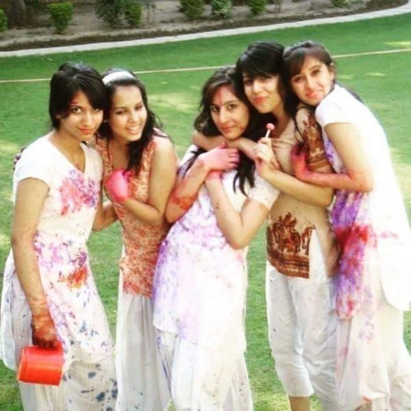 Ushna Shah in college