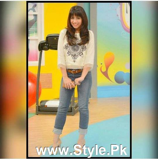 Ushna Shah in new haircut (2)