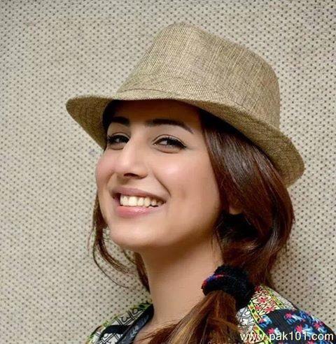 Ushna Shah's smile is so lovely